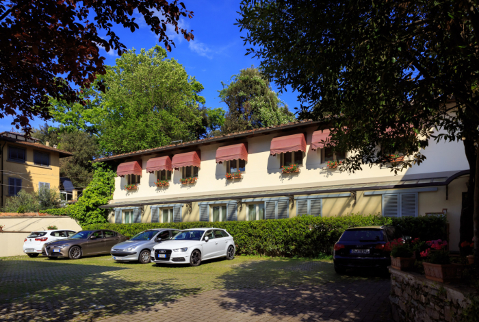 www.hotelvillacarlotta.it - Parking